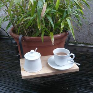 Einhänge Tischchen in Blumentopf